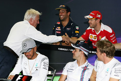 (L to R): Charlie Whiting, FIA Delegate shakes the hand of Sebastian Vettel, Ferrari in the FIA Press Conference