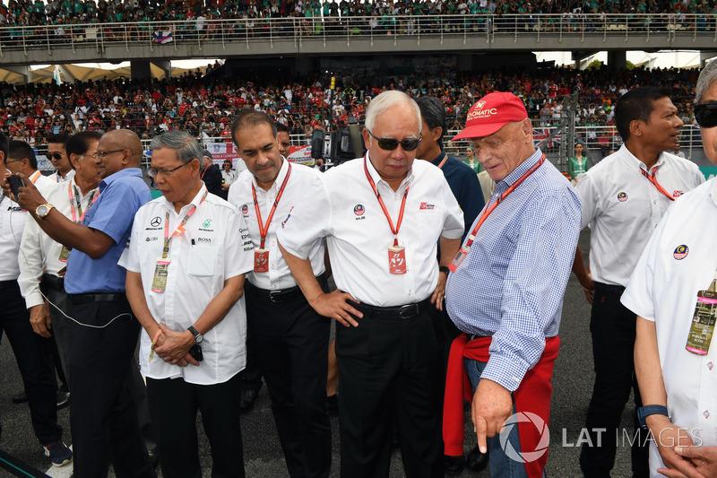 Невиконавчий директор Mercedes AMG F1 Нікі Лайда, прем'єр-міністр Малайзії Наїб Разак