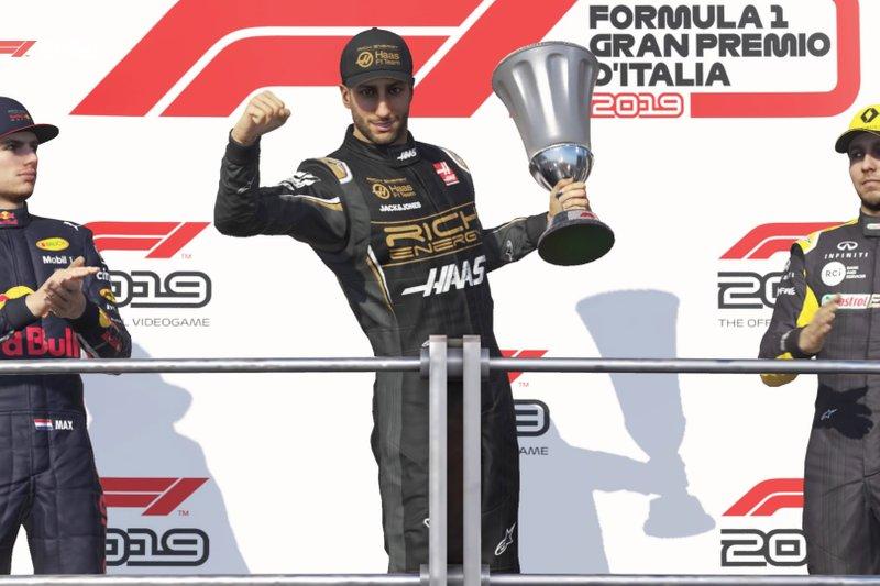 F1 2019: Max Verstappen (Red Bull), Daniel Ricciardo (Haas), Sergio Perez (Renault)