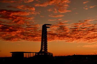 La torre d'osservazione all'alba