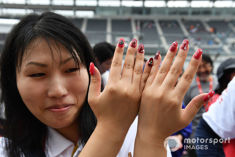 Fan with painted nails