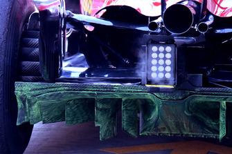 Vue détaillée du diffuseur de la Ferrari SF71H avec de la peinture Flo-Vis