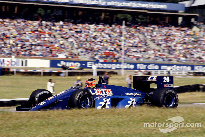 #26: Piercarlo Ghinzani, Ligier JS29C, Megatron