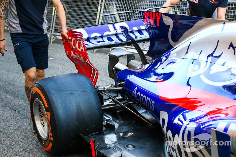 Toro Rosso STR12, detalles de la parte trasera