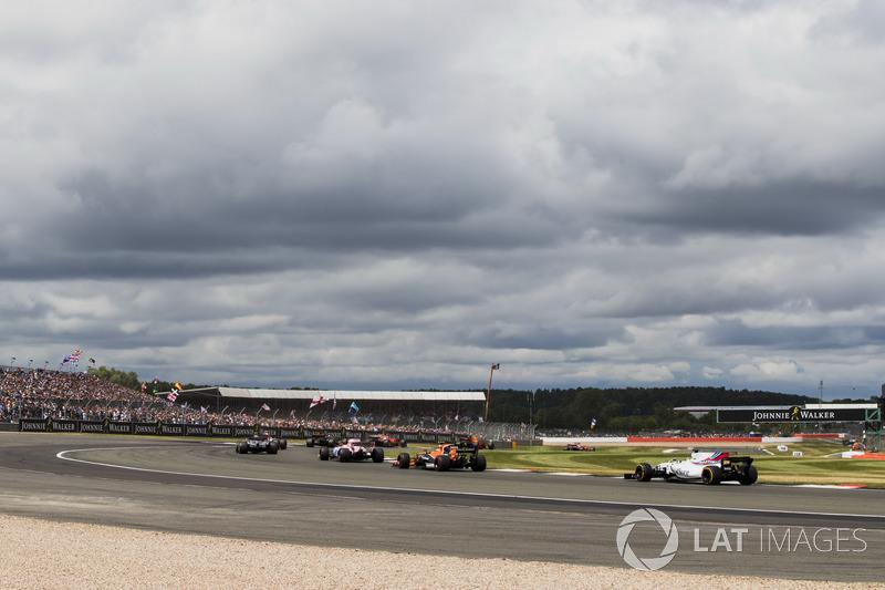 Серхіо Перес, Sahara Force India F1 VJM10, Фтоффель Вандорн, McLaren MCL32, Феліпе Масса, Williams F