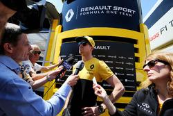 Nico Hulkenberg, Renault Sport F1 Team with the media