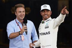 Le poleman Lewis Hamilton, Mercedes AMG F1, Davide Valsecchi