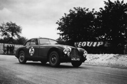#26 Aston Martin DB2: Lance Macklin, Eric Thompson