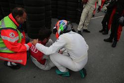 Mike Rockenfeller, Audi Sport Team Phoenix, Audi RS 5 DTM and Gary Paffett Mercedes-AMG Team HWA, Mercedes-AMG C63 DTM after the crash