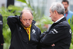 (L to R): Frederic Vasseur, Renault Sport F1 Team Racing Director with Jerome Stoll, Renault Sport F
