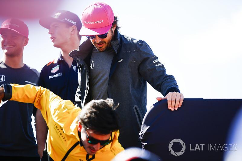 Carlos Sainz Jr., Renault Sport F1 Team, Fernando Alonso, McLaren