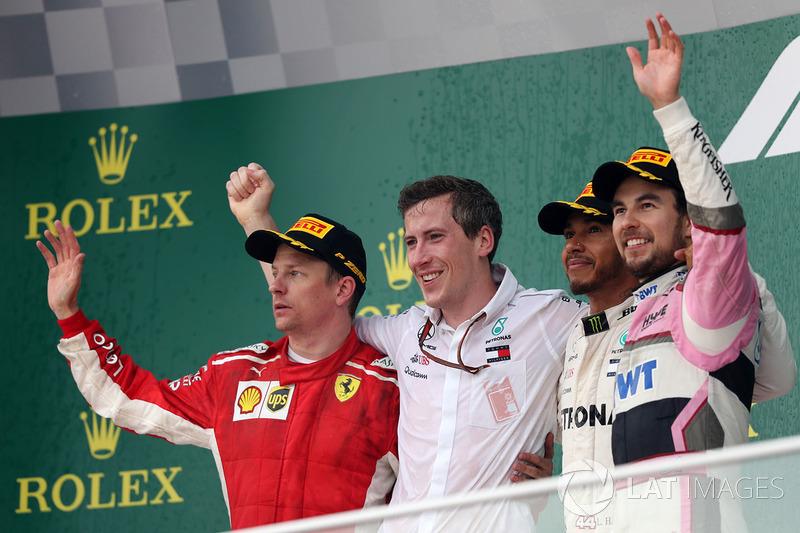 الفائز لويس هاميلتون، مرسيدس، المركز الثاني كيمي رايكونن، فيراري، المركز الثالث سيرجيو بيريز، فورس انديا