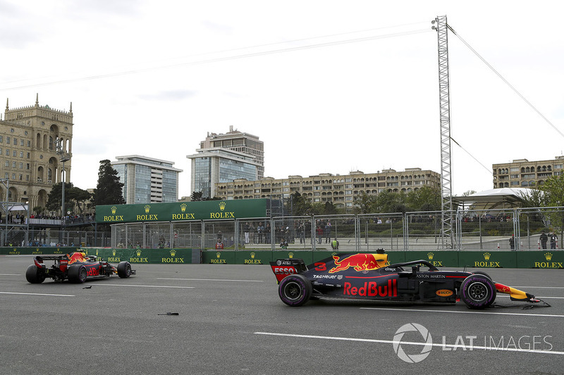 Los autos de Max Verstappen, Red Bull Racing RB14 y Daniel Ricciardo, Red Bull Racing RB14