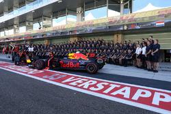 Max Verstappen, Red Bull Racing ve Daniel Ricciardo, Red Bull Racing,  Red Bull Racing takım resminde