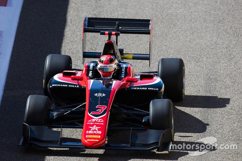 3. Джордж Расселл – чемпіон GP3, 4 перемоги, 7 подіумів