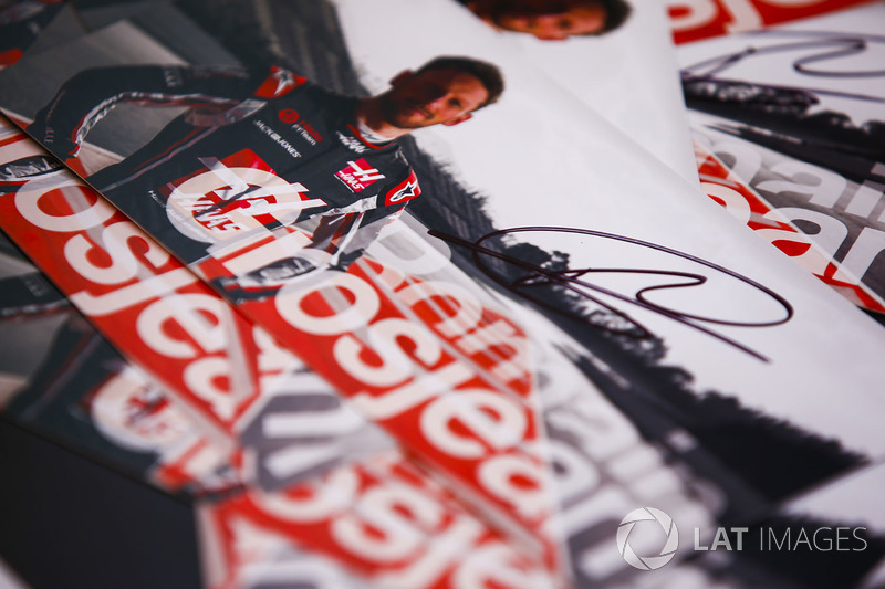 A Romain Grosjean, Haas F1 Team, autograph card