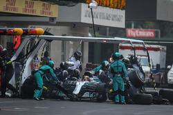 Lewis Hamilton, Mercedes-Benz F1 W08  makes a pitstop