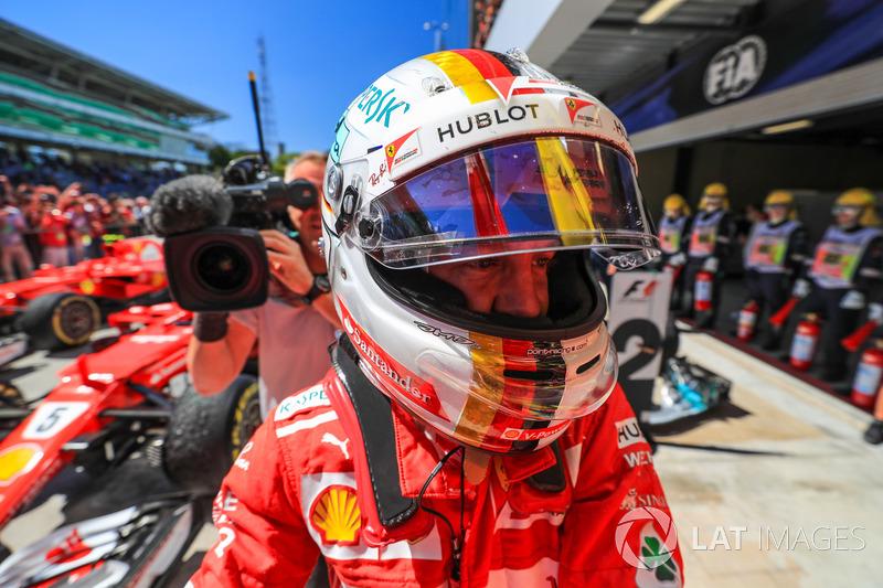 Yarış galibi Sebastian Vettel, Ferrari celebrates, parc ferme
