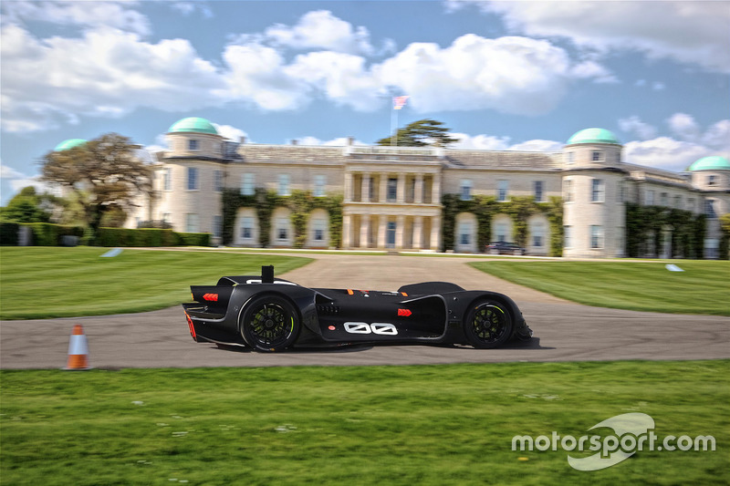 Tes mobil Roborace di Goodwood House