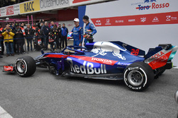 Pierre Gasly, Scuderia Toro Rosso STR13 and Brendon Hartley, Scuderia Toro Rosso STR13, the new Scud