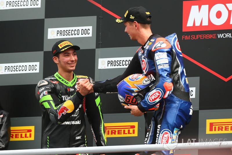 Podyum: Yarış galibi Michael van der Mark, Pata Yamaha, 2. Toprak Razgatlioglu, Kawasaki Puccetti Racing