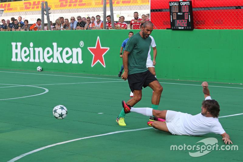 Partido a beneficio presentado por Heineken, Fernando Alonso, McLaren Honda