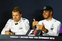 (L to R): Nico Rosberg, Mercedes AMG F1 and team mate Lewis Hamilton, Mercedes AMG F1 in the post qu