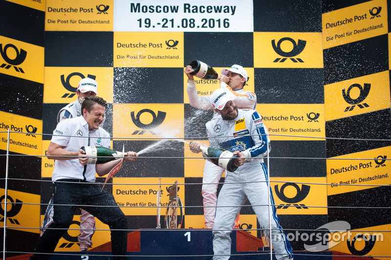 Podio: Gary Paffett, Mercedes-AMG Team ART, Mercedes-AMG C63 DTM; Robert Wickens, Mercedes-AMG Team