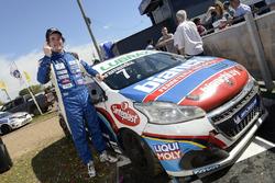 Ganador de la carrera Rodrigo Armendía, Peugeot Petrobras
