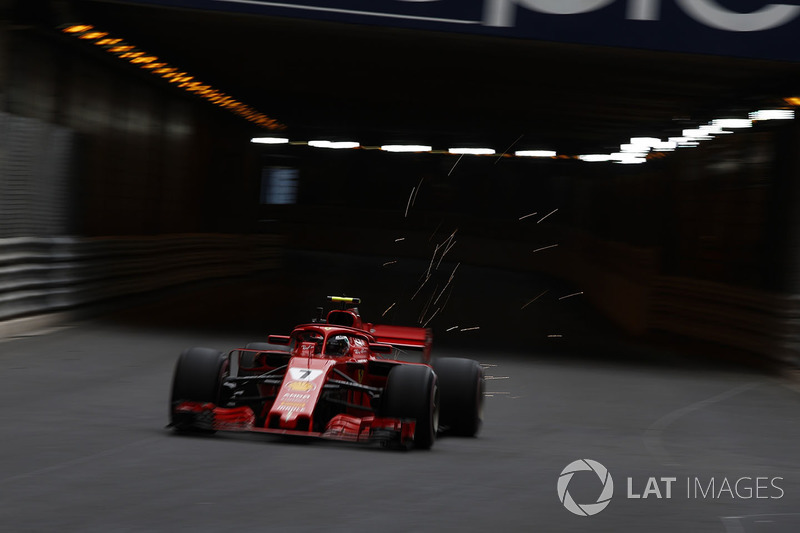 Percikan mobil Kimi Raikkonen, Ferrari SF71H