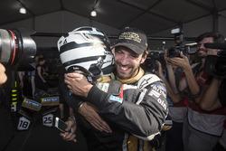 Andre Lotterer, Techeetah, congratulates champion Jean-Eric Vergne, Techeetah