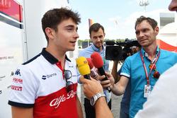 Charles Leclerc, Sauber met de media
