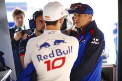 Pierre Gasly, Toro Rosso, y Franz Tost, director del equipo, Toro Rosso