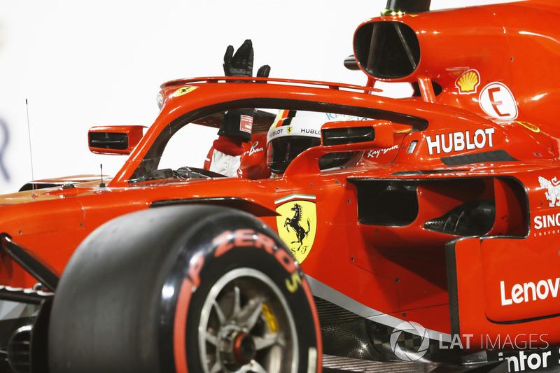 Sebastian Vettel, Ferrari SF71H, fête sa pole position