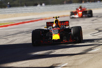 Max Verstappen, Red Bull Racing RB13, celebrates as he crosses the line ahead of Kimi Raikkonen, Ferrari SF70H