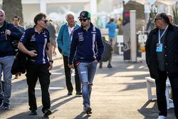 Sergio Perez, Sahara Force India with his Father Antonio Perez Garibay, Xavi Martos, Trainer