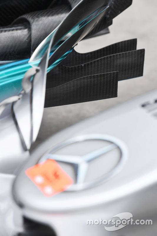 Detalle del alerón delantero del W08 de Mercedes-Benz F1