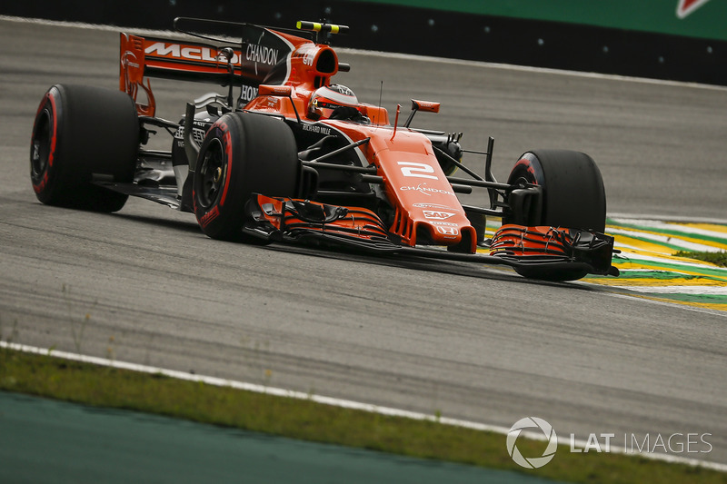 17 місце — Стоффель Вандорн, McLaren — 13