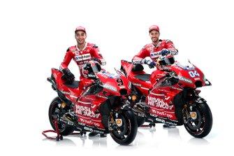 Гонщики Ducati Team Андреа Довициозо и Данило Петруччи