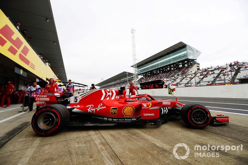 Sebastian Vettel, Ferrari SF71H, lascia i box
