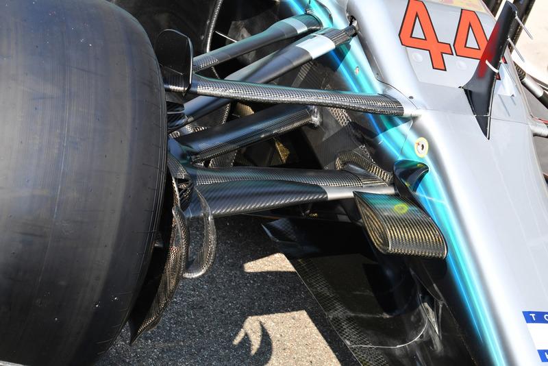 Mercedes AMG F1 W09 front suspension detail
