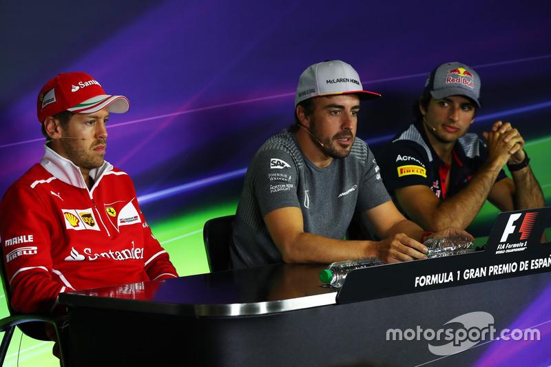 Себастьян Феттель, Ferrari, Фернандо Алонсо, McLaren и Карлос Сайнс-мл., Scuderia Toro Rosso. Пресс-конференция