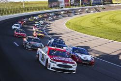 Start: Ryan Blaney, Wood Brothers Racing, Ford; Joey Logano, Team Penske, Ford