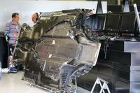 Mercedes-Benz F1 W08, fondo