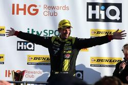 3. Tom Chilton, Power Maxed Racing, Vauxhall Astra