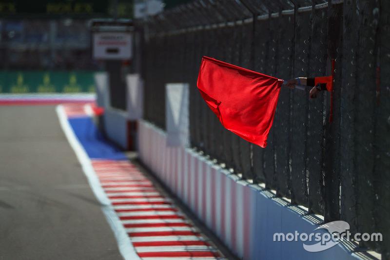 Se agitó la bandera roja