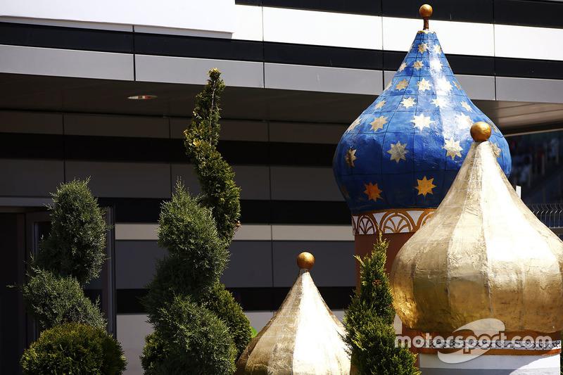 Minarets in the pit lane
