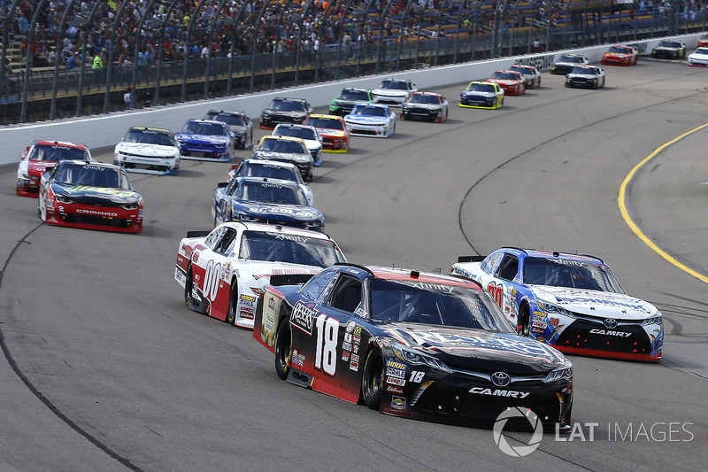 Kyle Benjamin, Joe Gibbs Racing Toyota, Ryan Preece, Joe Gibbs Racing Toyota y Cole Custer, Stewart-Haas Racing Ford