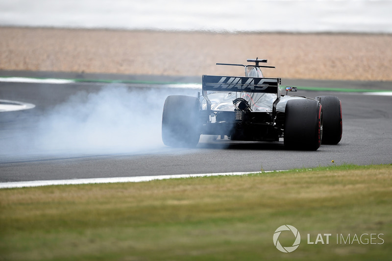 Ромен Грожан, Haas F1 Team VF-17, блокує колеса
