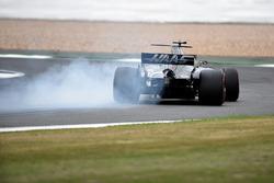 Romain Grosjean, Haas F1 Team VF-17 lastiklerini kilitliyor